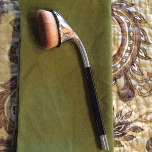 Artis Oval #7 Makeup Brush